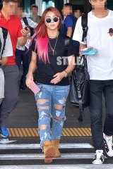 [PHOTO] 140824 Press Photo of Minzy at Incheon Airport from Thailand