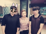 [PHOTO] 140828 Minzy with some Restaurant Staff