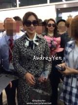 [PHOTOS] 141017 Fantakens of Minzy's Arrival at Macau InternationalAirport