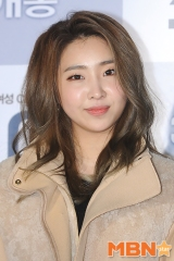 "[PRESS] 160302 Minzy at VIP Movie Premiere of ""Joy"""